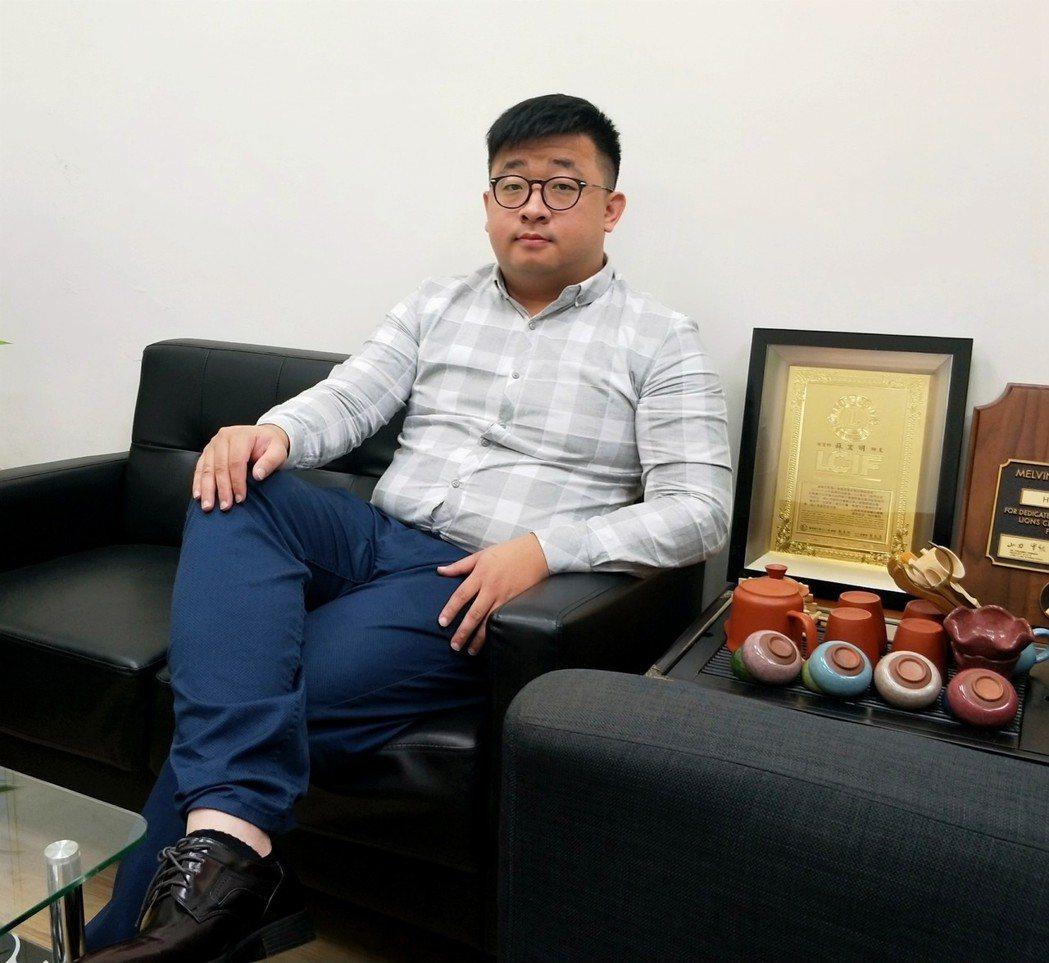 七年級的蘇宏明,是宜蘭首家媒體公司的創辦人 簡銘佑/攝影