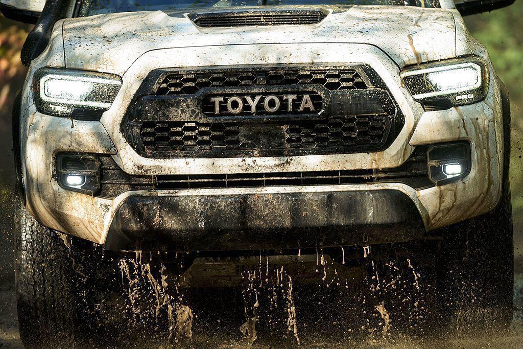 Toyota Tacoma TRD Pro換裝新式水箱護罩、序列式LED頭燈、L...