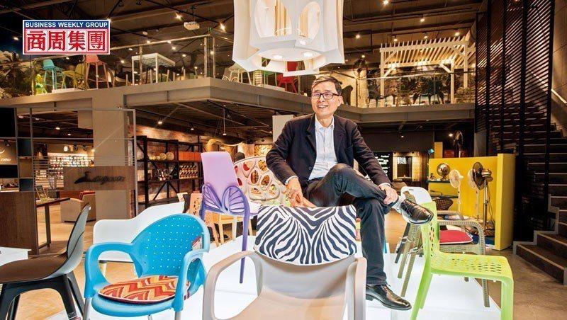 從電扇、玩具,跨業鞋、戶外家具,劉保佑在產業不斷變化中找活路。 陳宗怡攝影