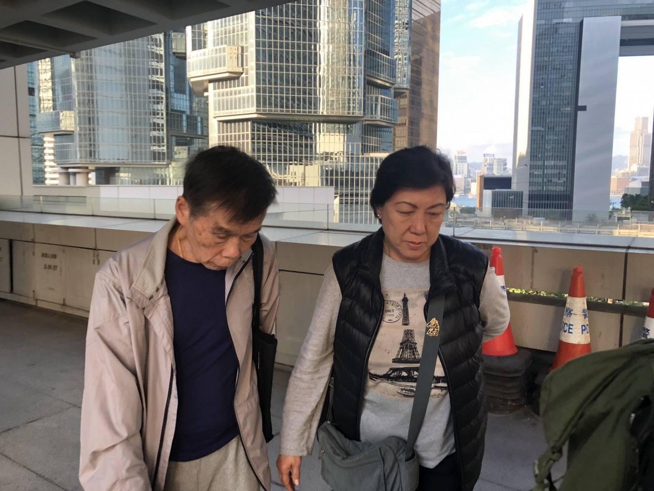 證人鄭兆康(左)和葉玉茹(右)首先發現女嬰屍體。香港01記者朱棨新/攝影