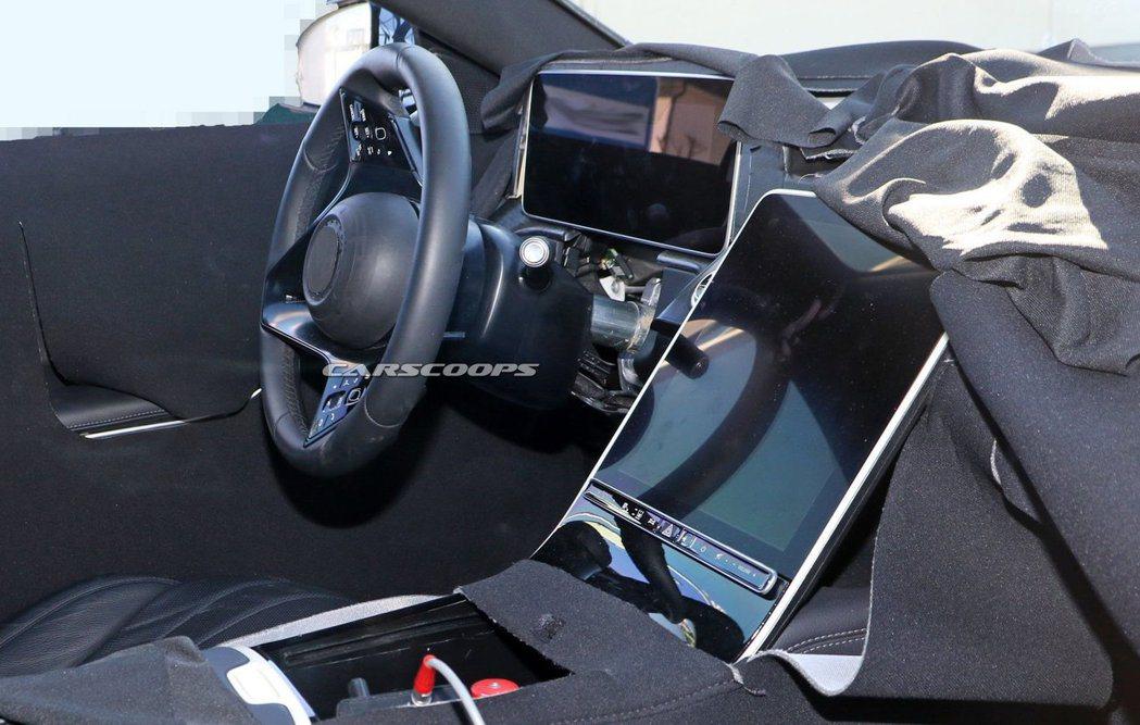 大改款Mercedes-Benz S-Class更加清晰的內裝無偽裝照。 摘自C...