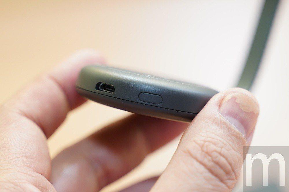 若電視搭載的HDMI仍為1.3版本以前設計,就必須額外透過micro USB連接...