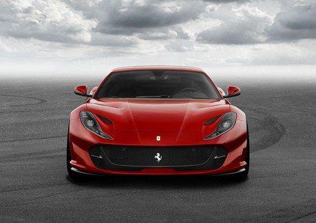 影/Ferrari 812 Superfast挑戰紐柏林!真的超級快嗎?
