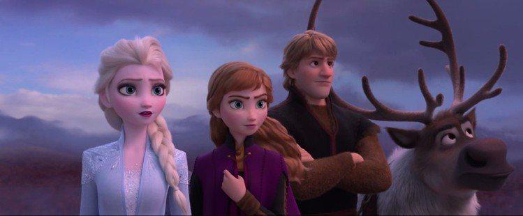艾莎、安娜、阿克與馴鹿小斯又有新的冒險。圖/翻攝自YouTube