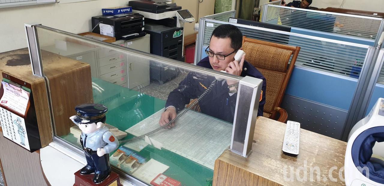 后里泰安櫻花季16日登場,泰安派出所最近常接到民眾打電話問花況。記者游振昇/攝影