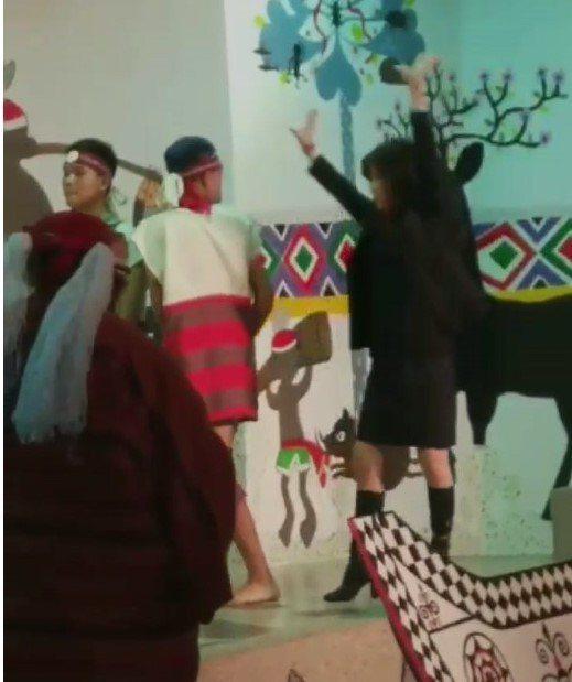 基隆市原住民會館有原住民舞蹈團表演,但昨天在表演時,觀看舞蹈團體有一女成員上台「...