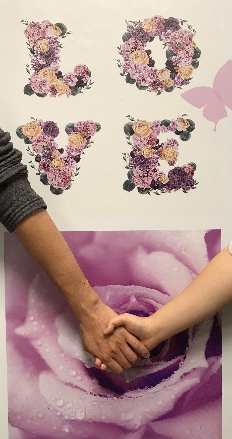 月老銀行兩性顧問曹雅芳表示,許多情人甚至有意追求者,認為在情人節送對方禮物,是最...