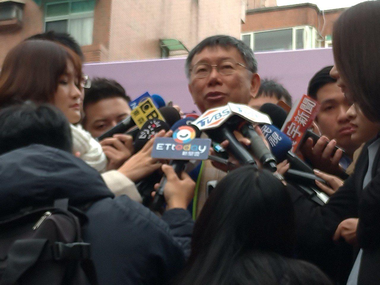 台北市長柯文哲今早出席江南市場啟用後受訪。記者莊琇閔/攝影