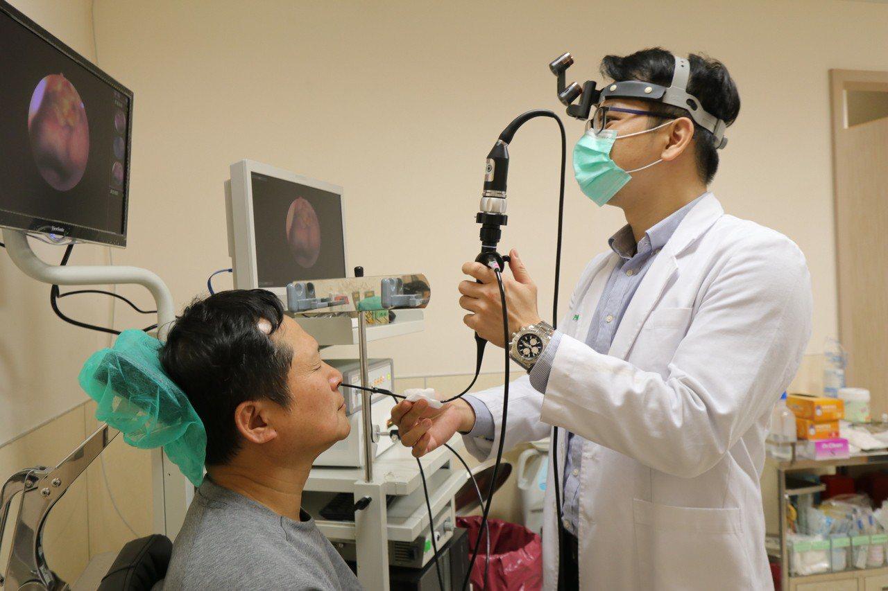亞洲大學附屬醫院頭頸外科主任陳亮宇說,有鼻咽癌家族史的民眾,發現異狀應立即赴醫檢...