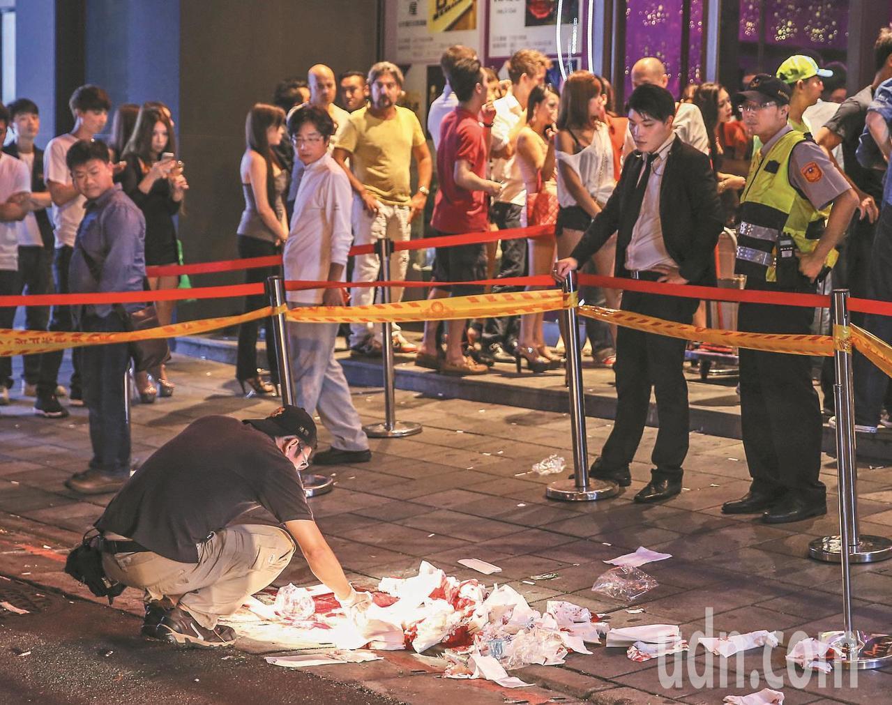 2014年9月14日發生在台北市信義區的夜店殺警案,造成員警薛貞國因公殉職。聯合...
