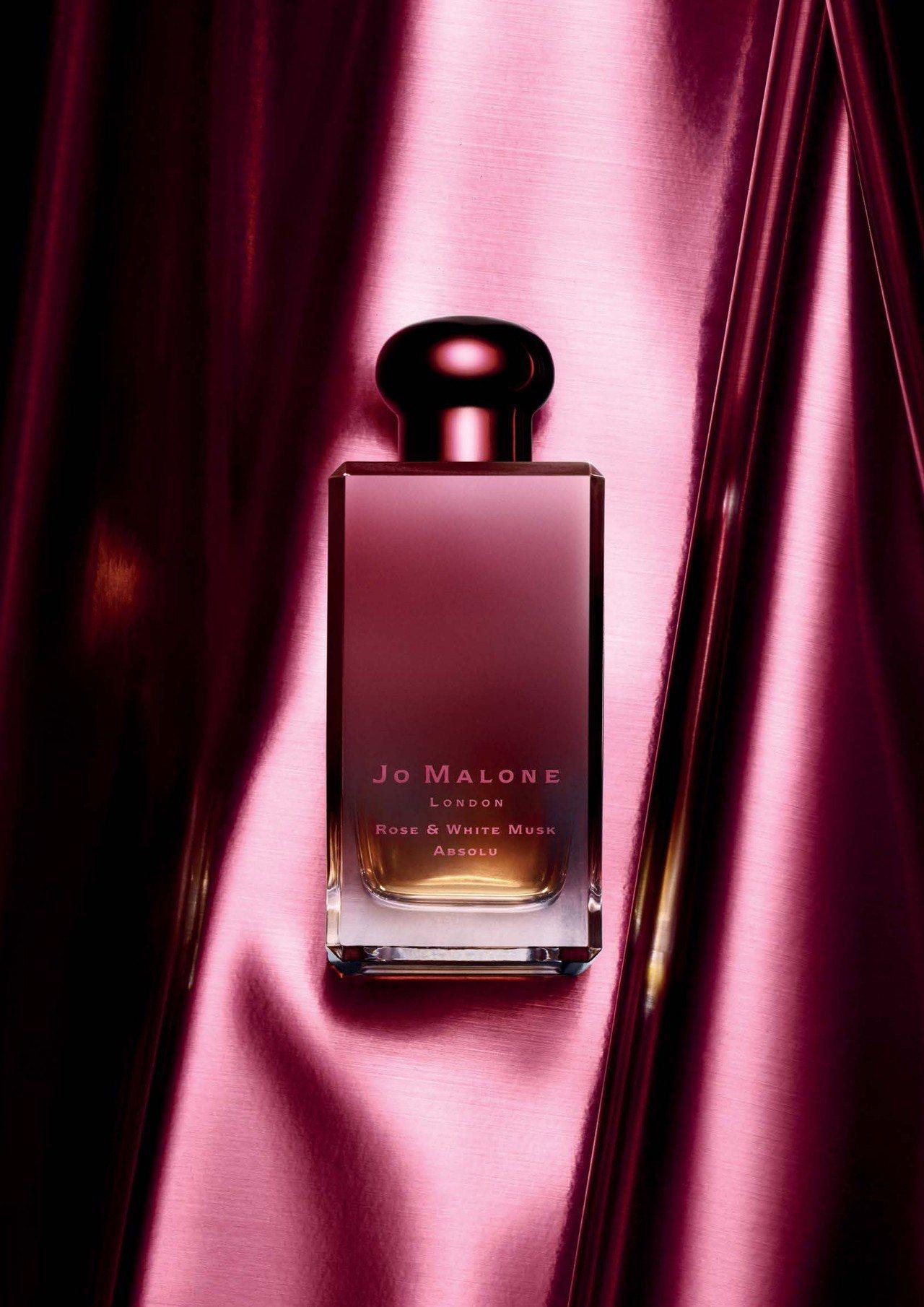 去年6月在台限量上市的Jo Malone玫瑰與白麝香香氛菁萃,是Jo Malon...