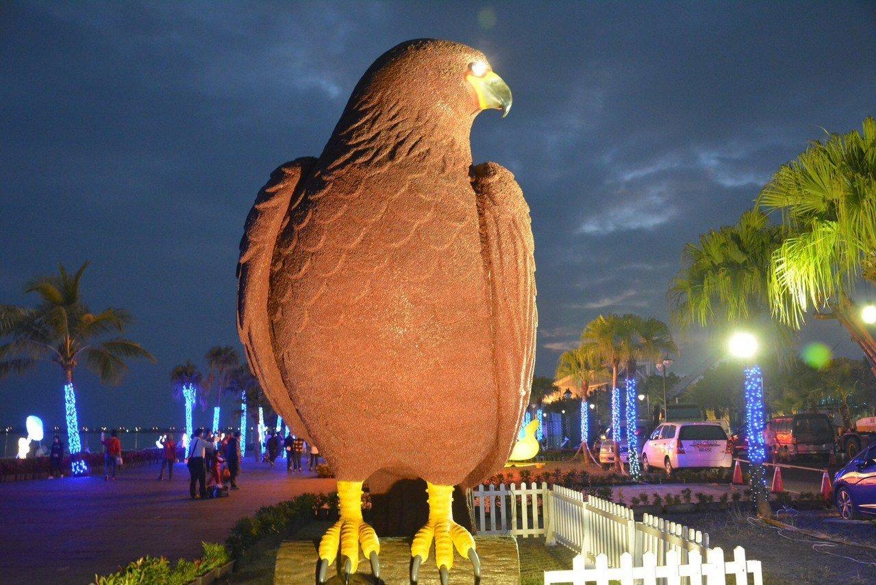 台灣燈會明起試營運3天,今年的燈飾豐富而多元。圖/屏東縣政府提供