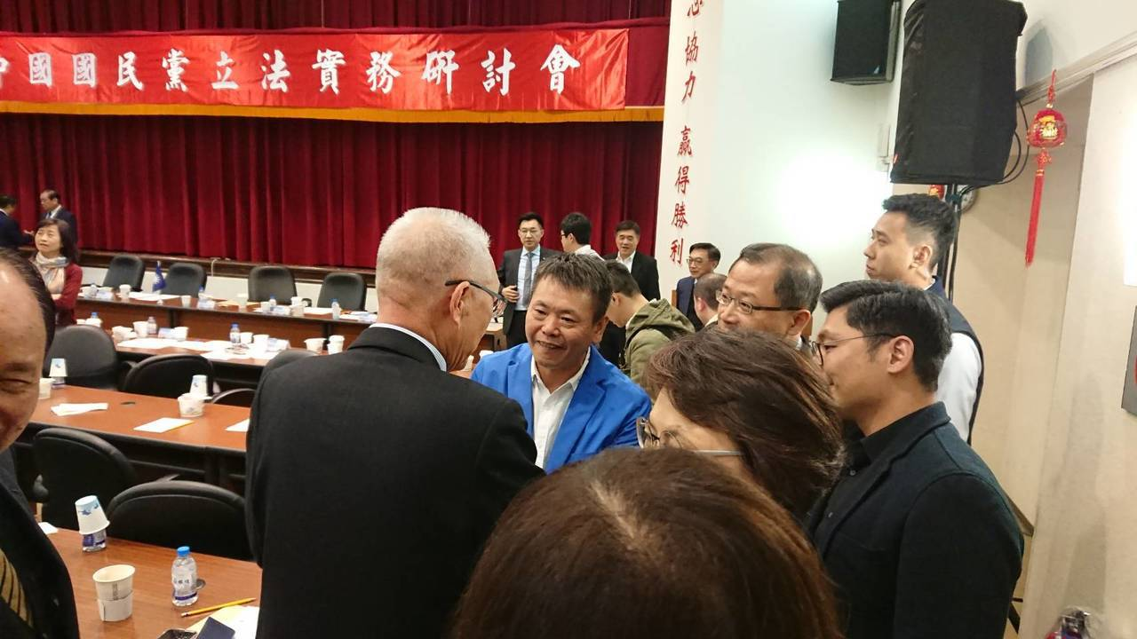 立法院將開議,國民黨下午舉辦立法實務研討會討論新會期攻防策略,黨主席吳敦義也前往...