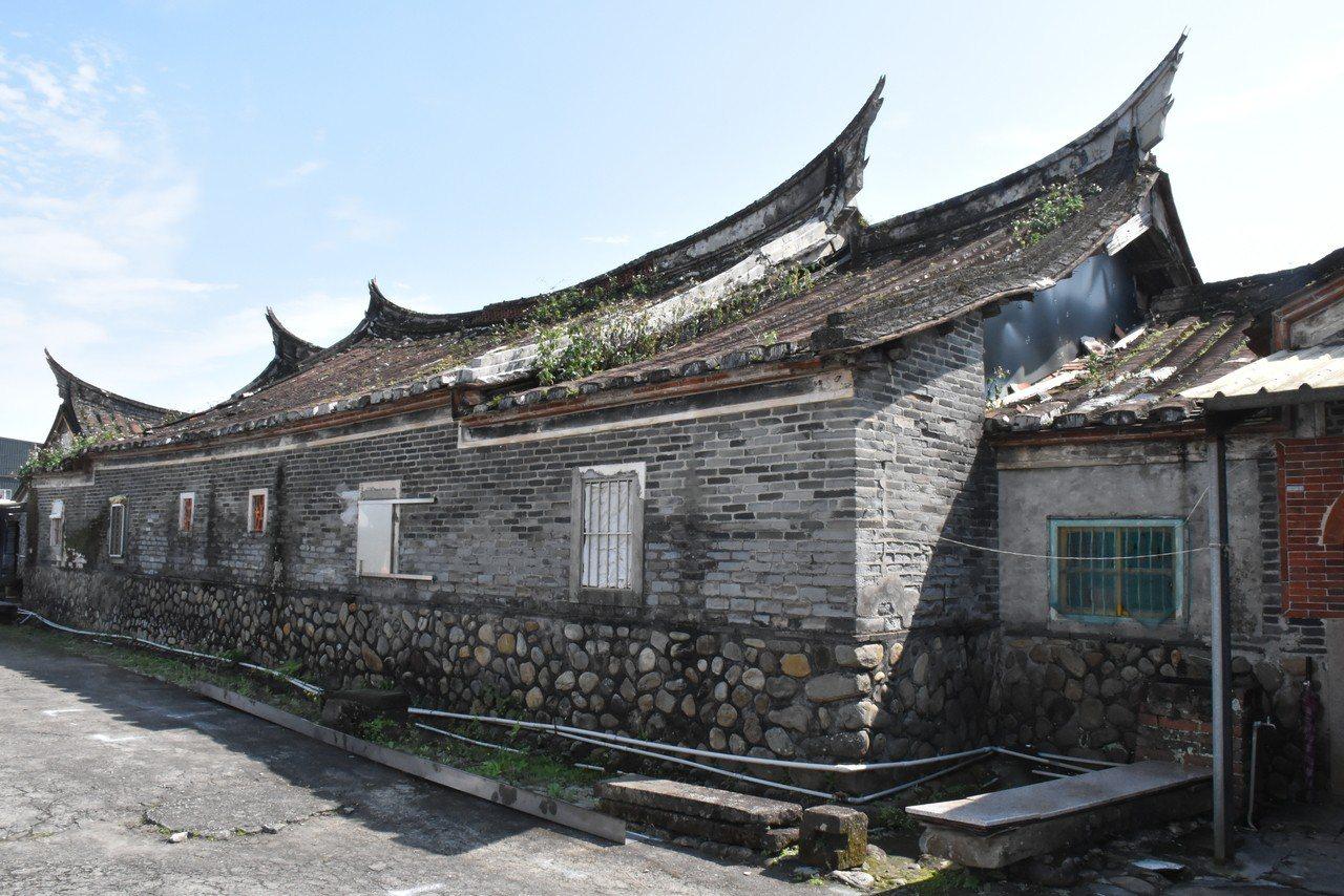 林家古厝已有130年的歷史,但建物不敵白蟻蛀蝕、風雨的摧殘,已有毀損。記者江婉儀...