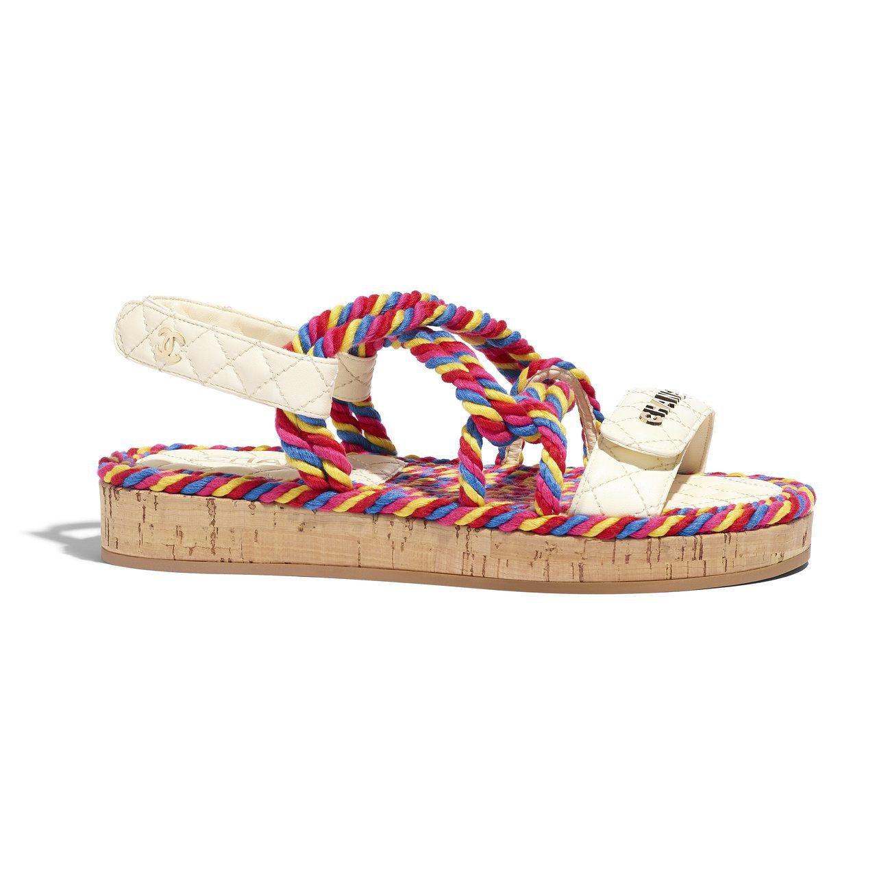 彩色繩結交織皮革軟木底涼鞋,37,000元。圖/香奈兒提供