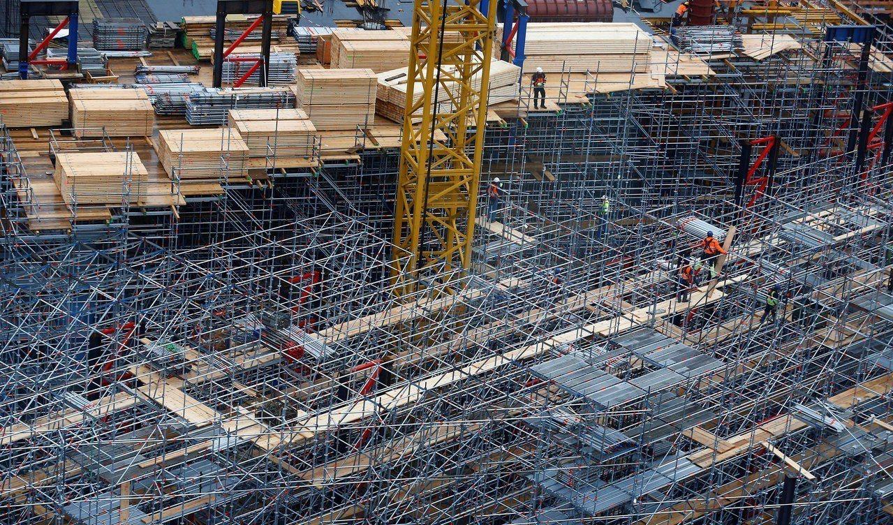 德國第4季經濟零成長。圖為德國出版巨擘Axel Springer去年5月建造新建...