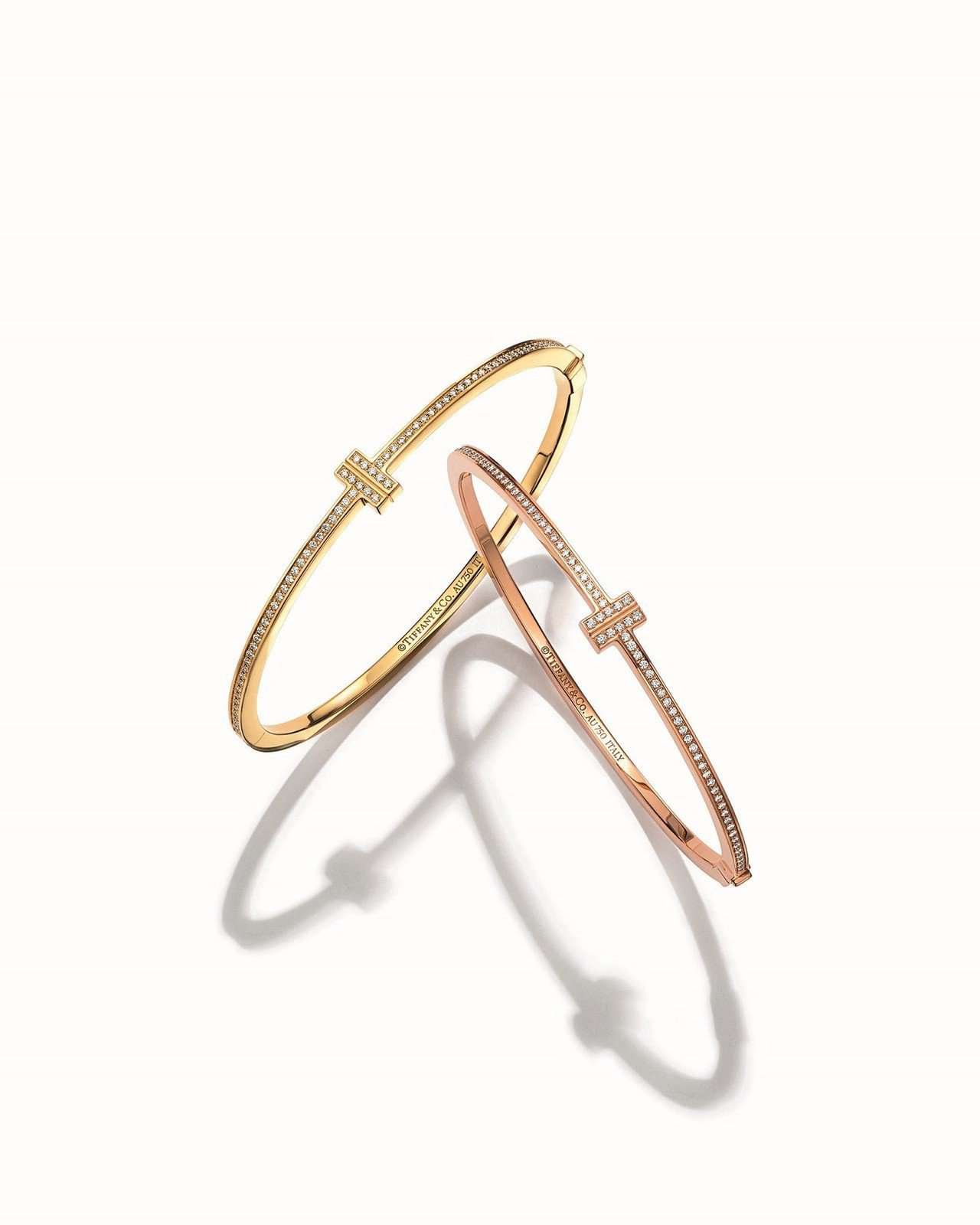 (同款推薦)Tiffany T Two 鑲鑽手環(左)18K金鑲鑽手環19萬2,...