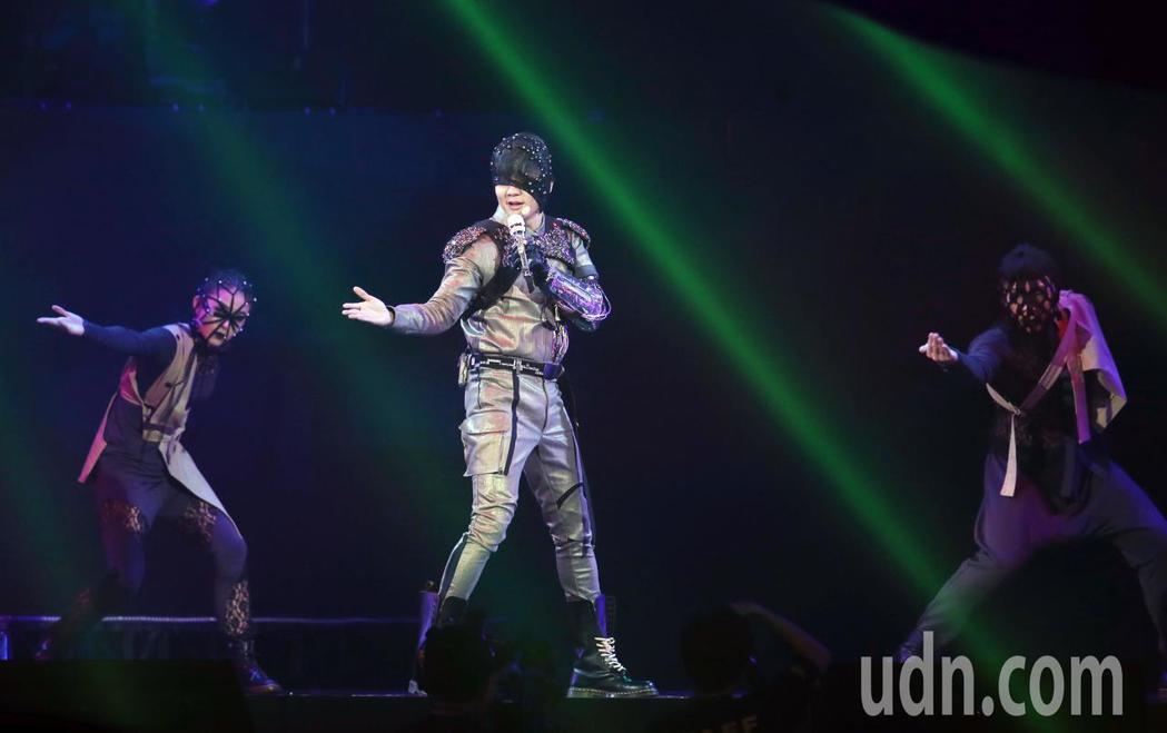 林俊傑2019「聖所世界巡迴演唱會」台北站今起一連4天在台北小巨蛋開唱。記者徐兆...
