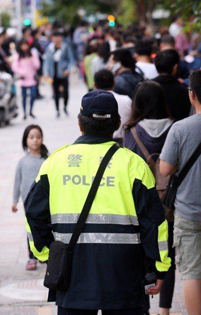 近年警消人員容訓量增加,畢業員警分配到六都,卻導致六都財力難以負荷。聯合報系資料...