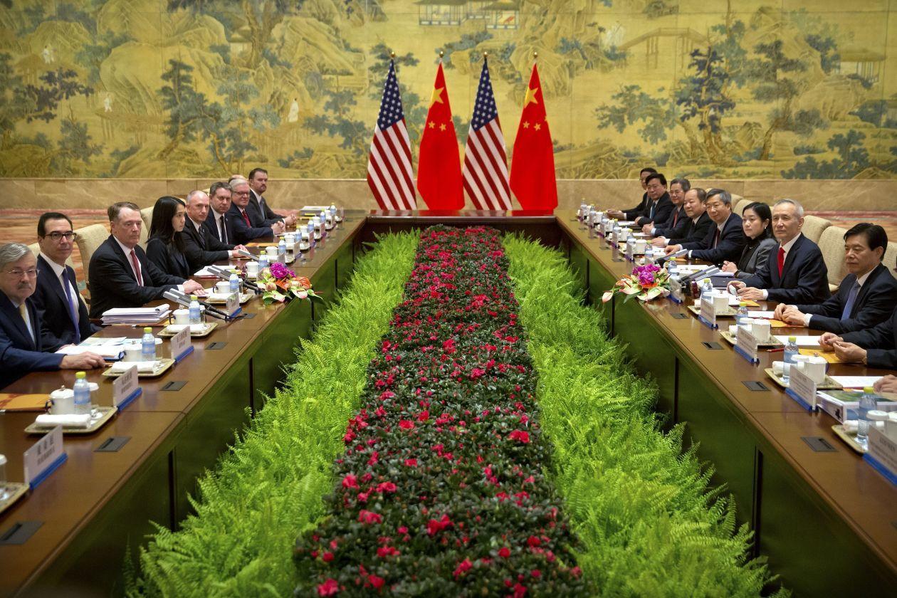 美中高層談判14日在北京釣魚台國賓館展開。美聯社