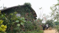 自製土磚蓋的家 為何十年後要親手推倒、燒了它?