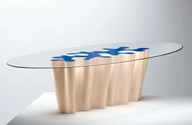 路易威登Anemona Table基座是以海洋、波浪為意象。 圖/各品牌提供