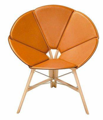 路易威登2018邁阿密設計展中的Concertina Chair,以手風琴為靈感...