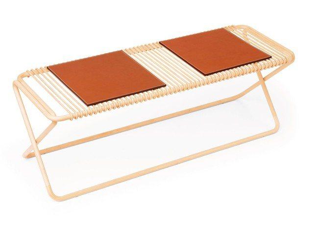 Karumi系列竹凳兩張凳子與一張長椅的形體採用竹子構成,為愛馬仕帶來了用料選擇...