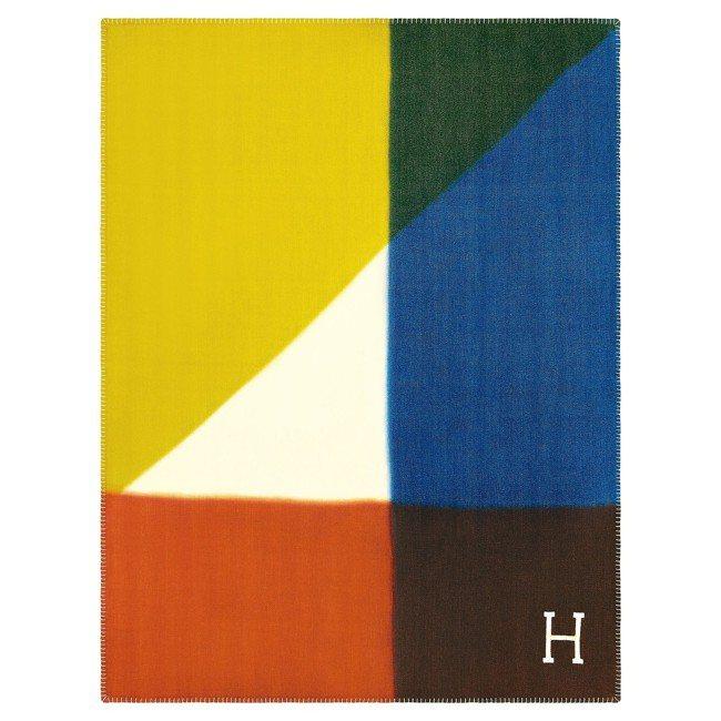 透過4種顏色的染浴,Avalon tangram喀什米爾羊絨披毯。 圖/愛馬仕提...