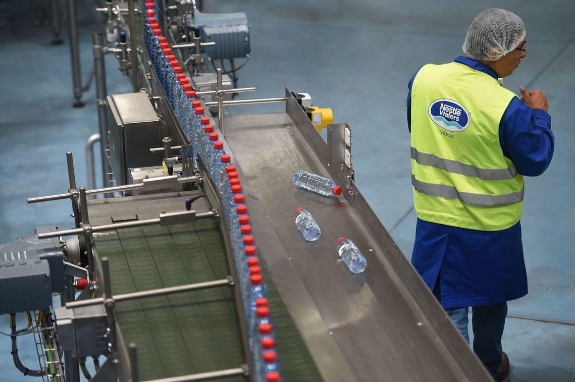 「Vittel礦泉水」在維泰勒的每日生產量,更高達200萬瓶。圖為雀巢在維泰勒鄰...