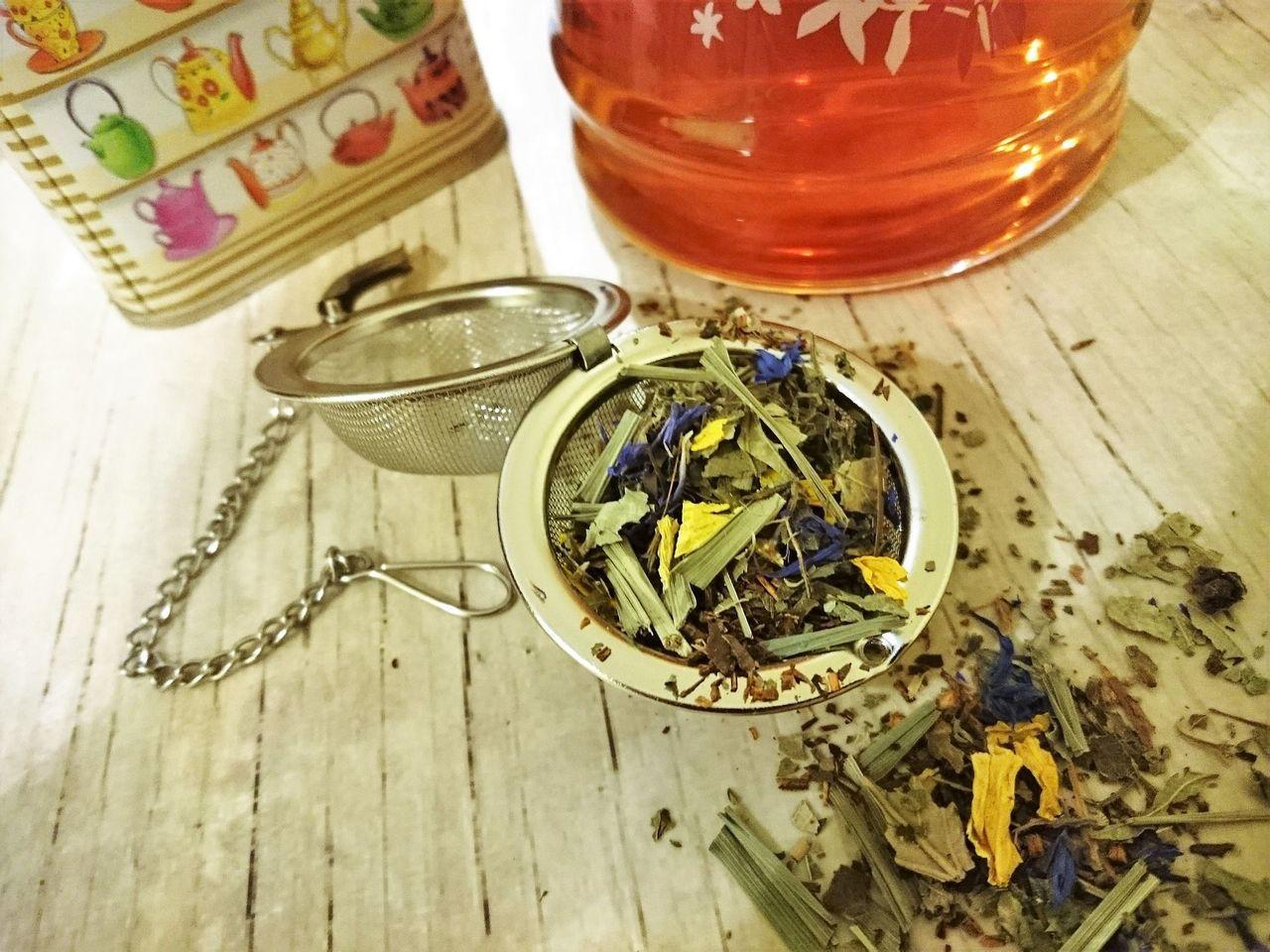 朴子醫院中醫科提供數個中醫茶飲方,可以沖泡玫瑰加山楂、烏梅加陳皮、麥茶單味、決明...