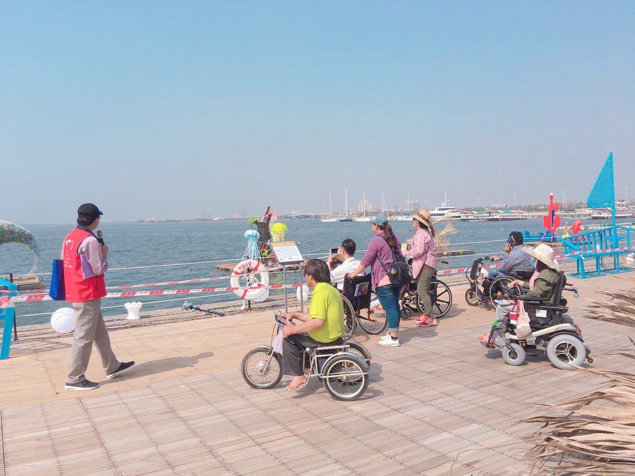 台灣燈會貼心規畫5項無障礙措施,讓身障者、體弱年長和幼兒都能開心逛燈會。圖/縣府...