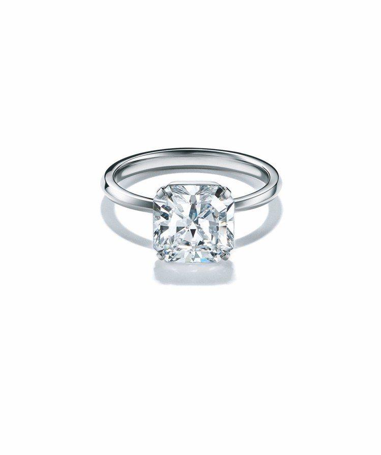 Tiffany True 鉑金鑲嵌白鑽戒指,鑲嵌獨門全新的Tiffany Tru...
