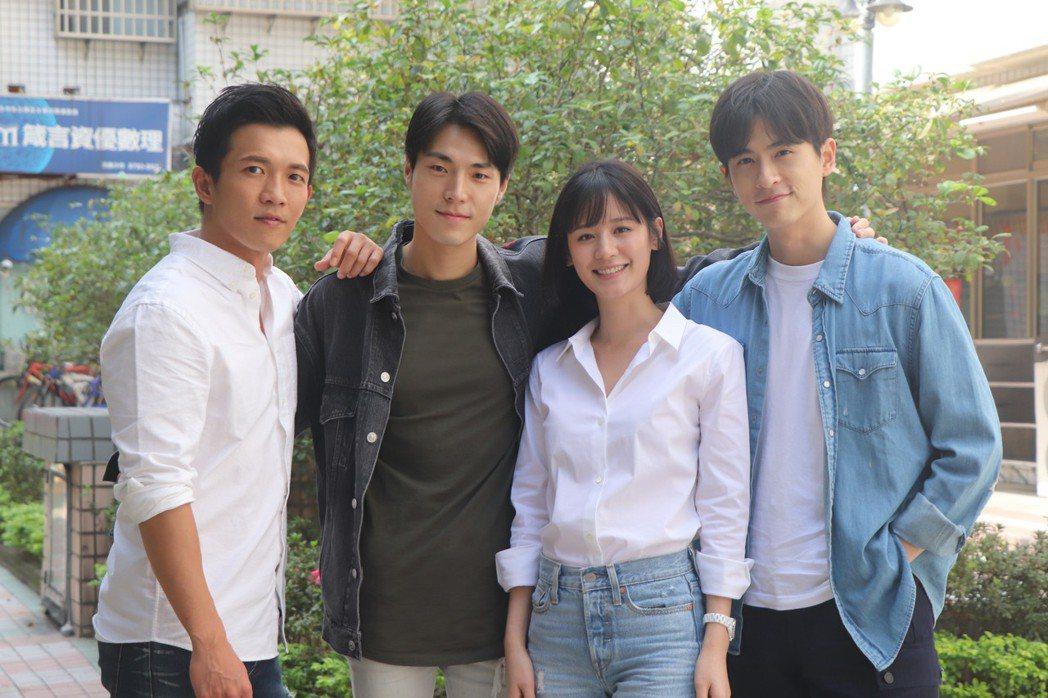 黃尚禾(左起)、唐振剛、袁子芸、石知田出席公司開工春酒。圖/祖與占影像製作提供