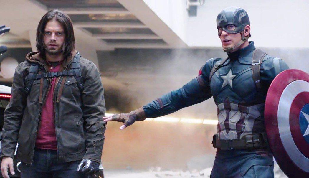 美國隊長與酷寒戰士在漫威英雄系列中關係密切,也常常是彼此的好戰友。圖/摘自IMD...
