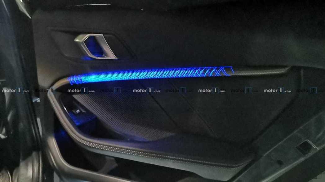 新世代BMW 1-Series將擁有新款車艙氣氛燈樣式。 摘自Motor 1