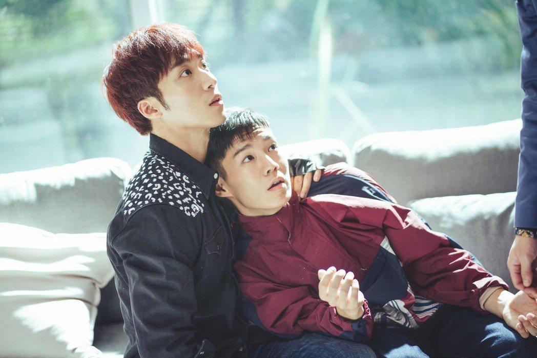 卞慶華(左)、陳廷軒在「圈套」中飾演一對CP。圖/CHOCO MEDIA ENT...