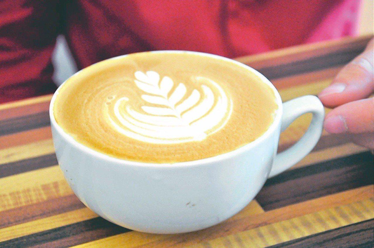 上午11點,此時積極的情緒占主導地位,建議把第一杯咖啡留到現在才喝。圖/...