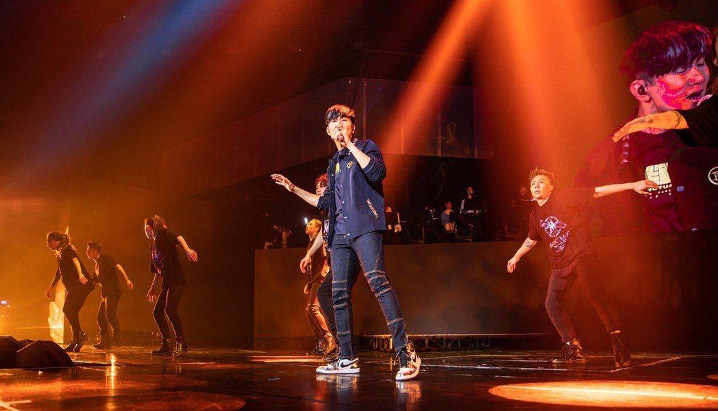 林俊傑在小巨蛋進行第3場「聖所」巡演。圖/華納提供