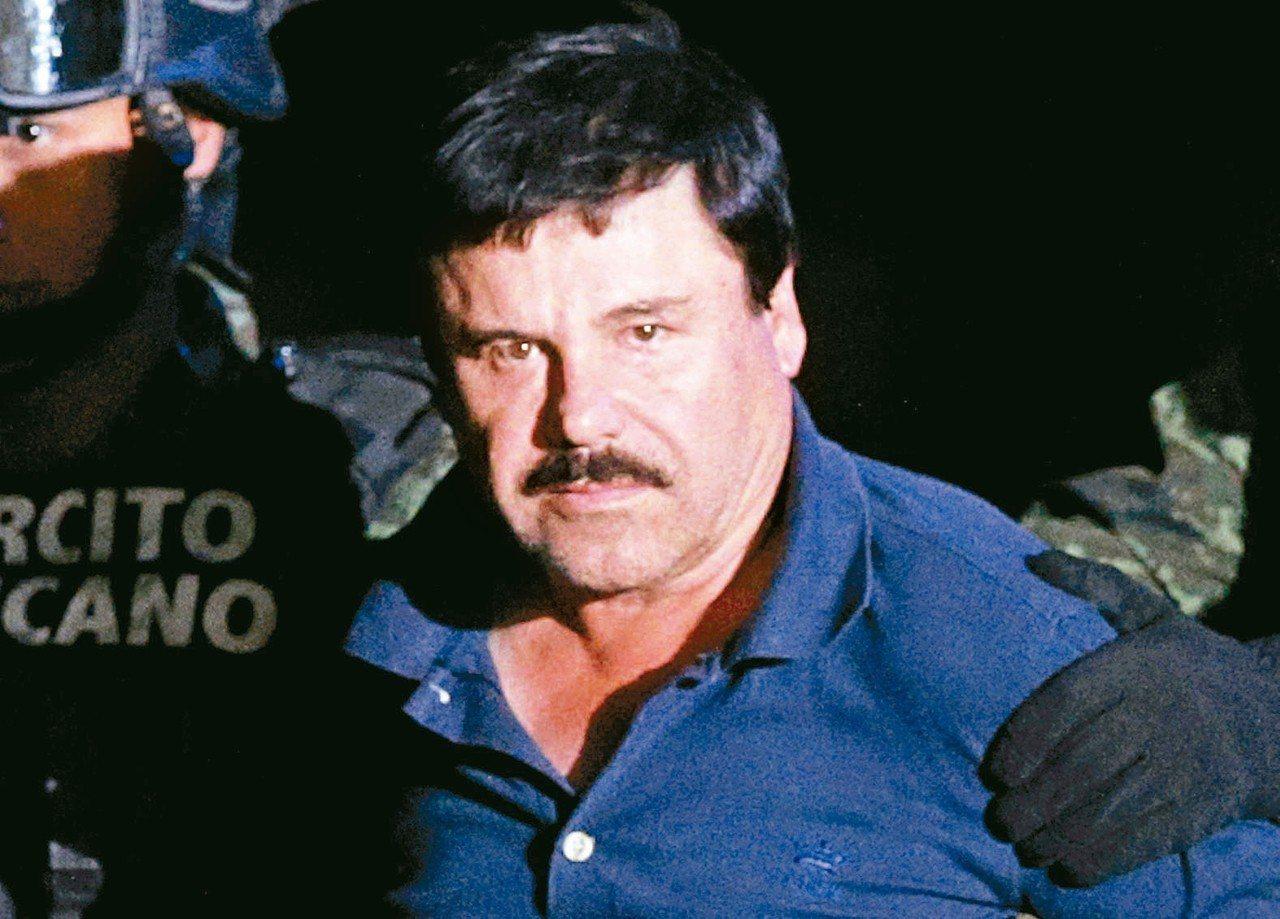六十一歲的古茲曼出身墨西哥貧窮家庭,被取了綽號「矮子」。 (路透)