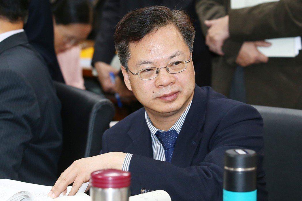 政務委員龔明鑫不少點子想法,受《天龍八部》和《唐吉軻德》啟發。 圖/聯合報系資料...