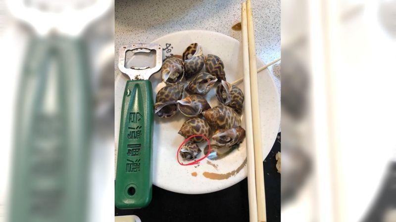 網友在韓國瑜後援會臉書PO指旗津鳳螺一盤500元。圖/翻攝自韓國瑜鐵粉後援會