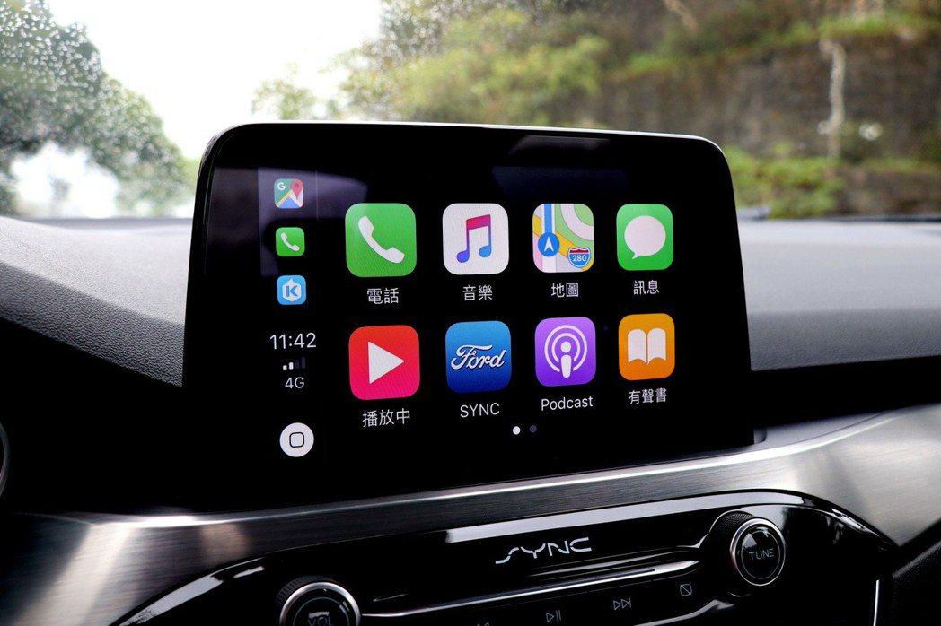 8吋懸浮式螢幕配備全新SYNC 3多媒體資訊系統,支援Android Auto和Apple CarPlay功能。 記者陳威任/攝影