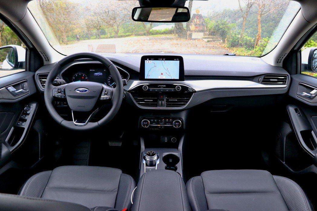 第四代Focus在車艙設計上更具質感及實用性。 記者陳威任/攝影