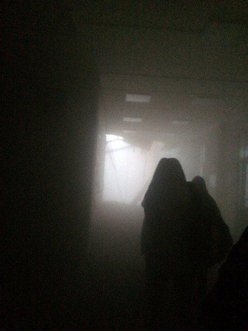 俄羅斯聖彼得堡一棟建築16日部分倒塌,建築內煙塵滾滾。路透