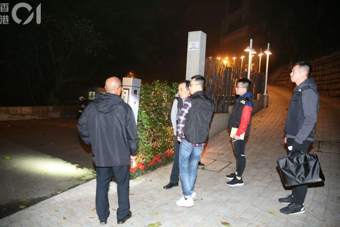 警方於附近一帶搜索調查。香港01 記者陳永武/攝影