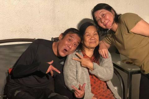 香港出了名愛家好的影帝梁家輝,一家人都是暖心人!梁家輝的小女兒Nikkie(梁靜曦)今在IG透露一項好消息,她表示,「我的家人,爸爸的好友,Delia抗癌成功了!」據港媒報導,Delia在梁家輝家中...