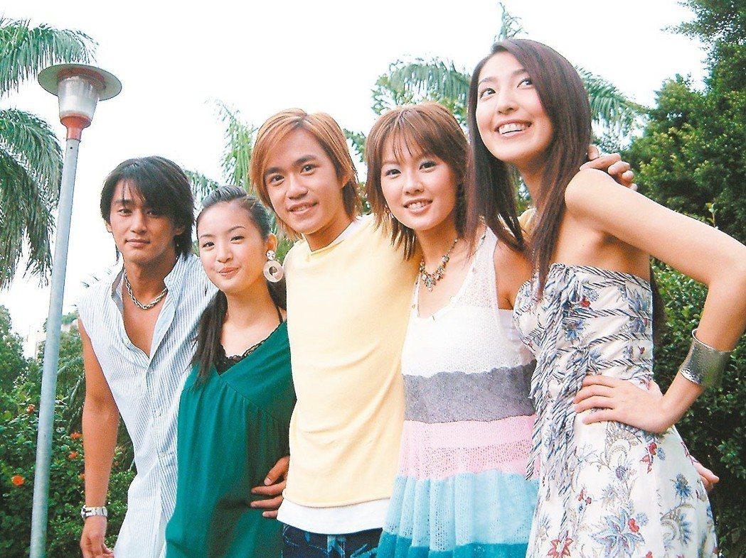 偶像劇「我的祕密花園2」昨天開鏡,張天霖(左起)、林依晨、李岳、梁又琳與楊瑾華。...