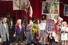 龐克教母以時尚反抗世界 邀受性侵女星登台走秀