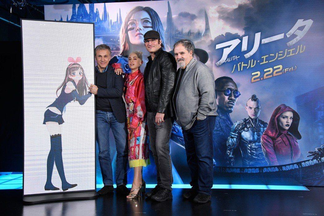 「艾莉塔:戰鬥天使」日本首映會相當熱烈,主創幾乎全到場,原著作者木城幸人也力挺。